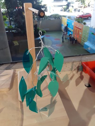 Learning resource of Maker Space: Hanging in Harmony